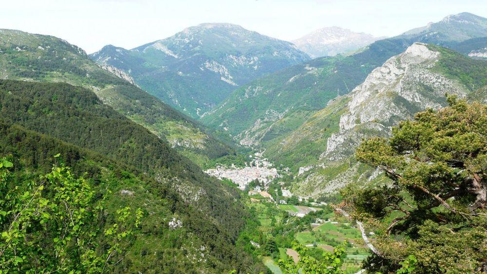 006 ligurian ridge roads - climbing to col linaire.jpg