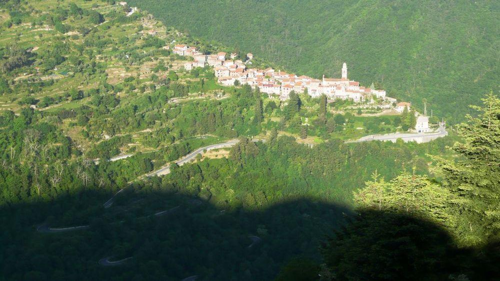 124 ligurian ridge roads - passo della guardia to triora; corte.jpg