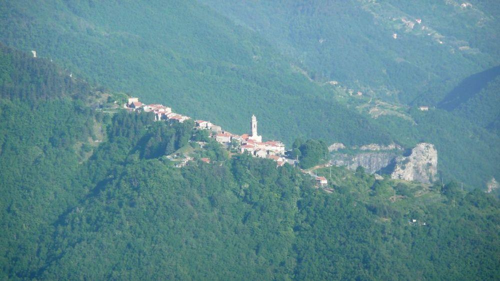 115 ligurian ridge roads - passo della guardia to triora; corte.jpg