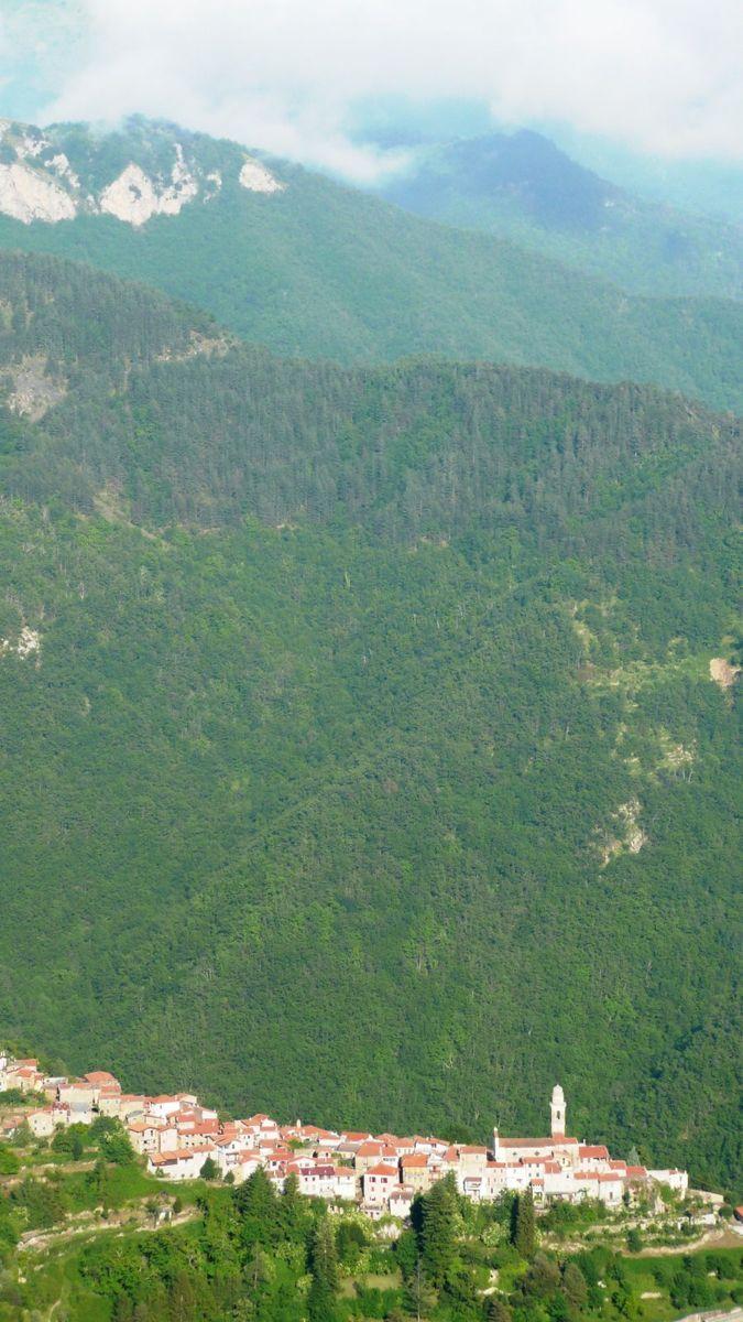 119 ligurian ridge roads - passo della guardia to triora; corte.jpg