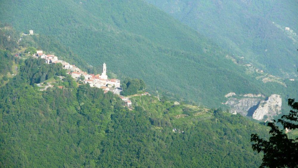 118 ligurian ridge roads - passo della guardia to triora; corte.jpg