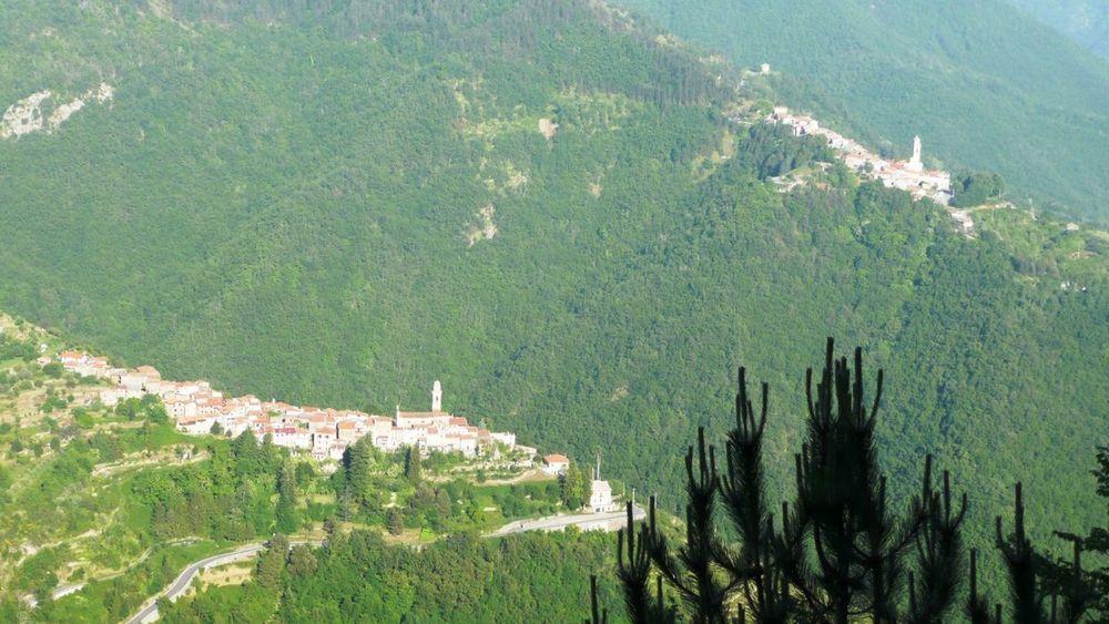 117 ligurian ridge roads - passo della guardia to triora; corte.jpg
