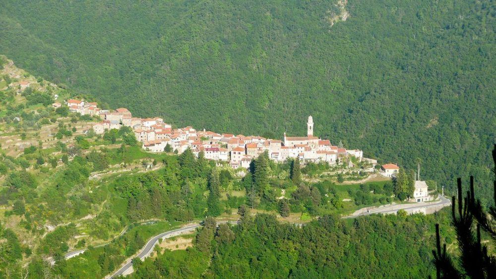 120 ligurian ridge roads - passo della guardia to triora; corte.jpg