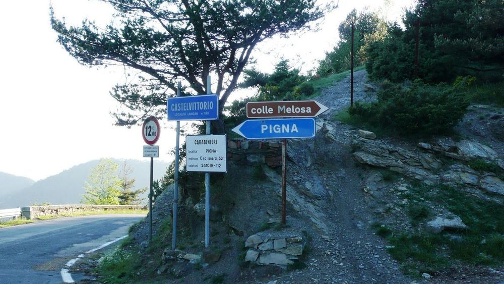 134 ligurian ridge roads - castelvittorio.jpg