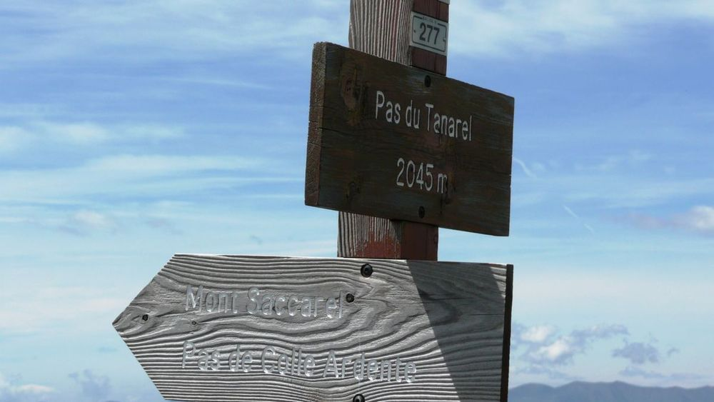 057 ligurian ridge roads - pas du tanarel.jpg