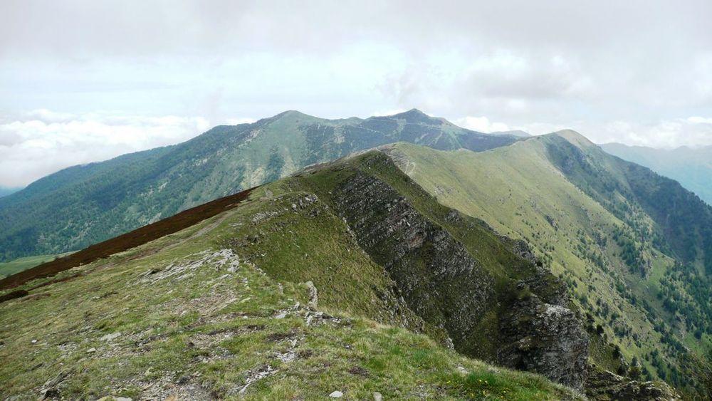 062 ligurian ridge roads - from mont saccarel.jpg