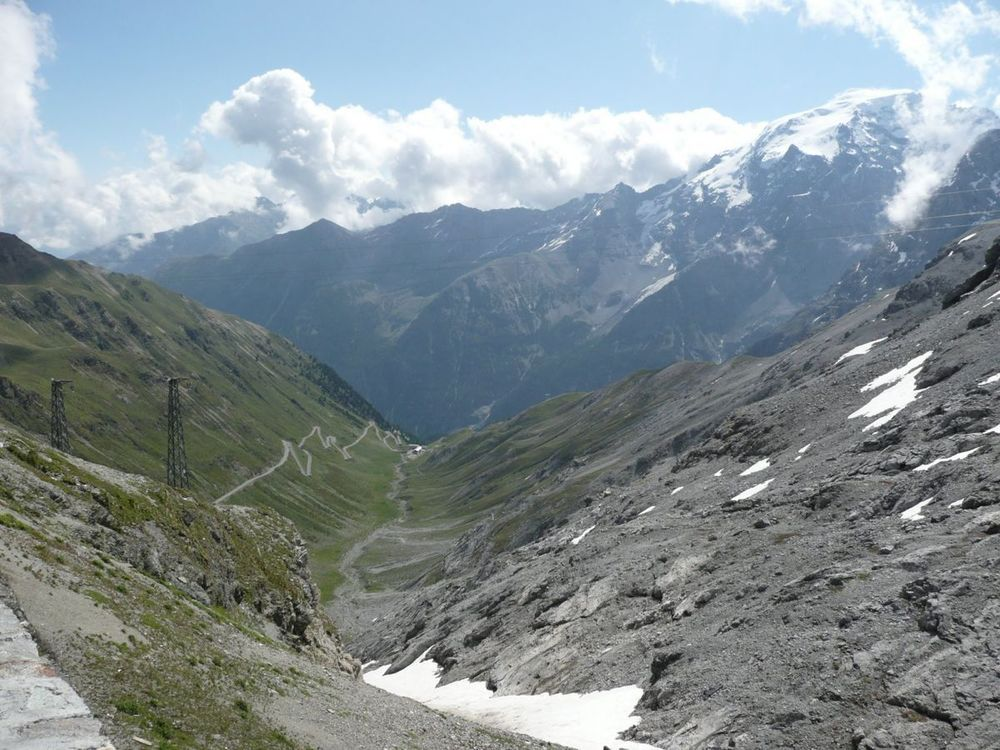 014 stelvio 2757m looking east.jpg