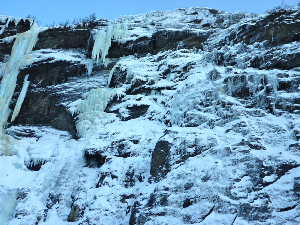 Frozen falls from Kjosfossen halt