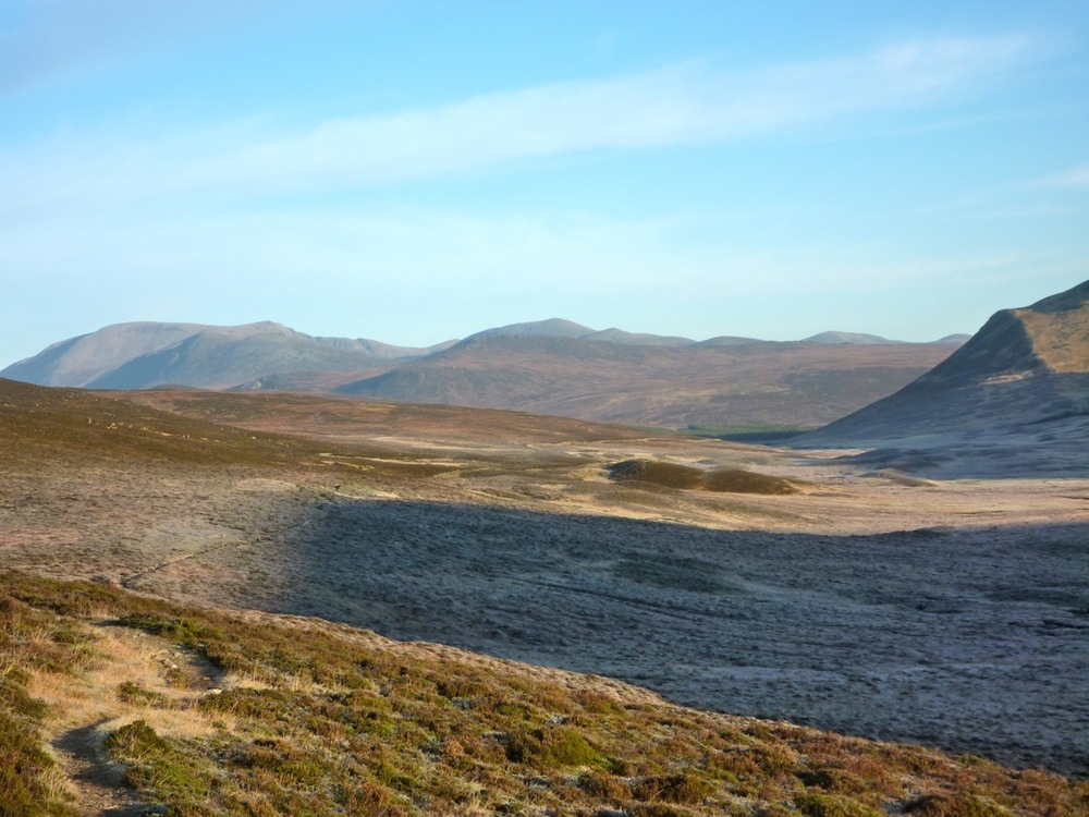 chest of dee and ben macdui in the distance