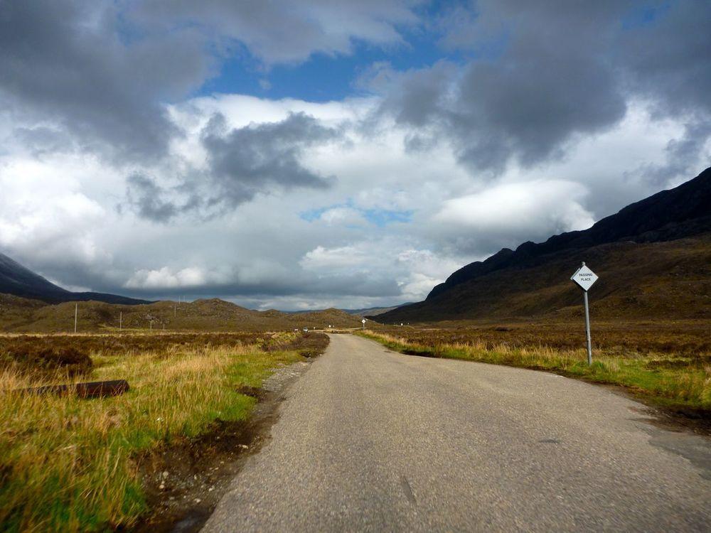 road to kinlochewe; lovely, wide valley-2.jpg
