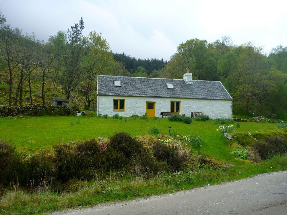 cottage at gorstanvorran.jpg