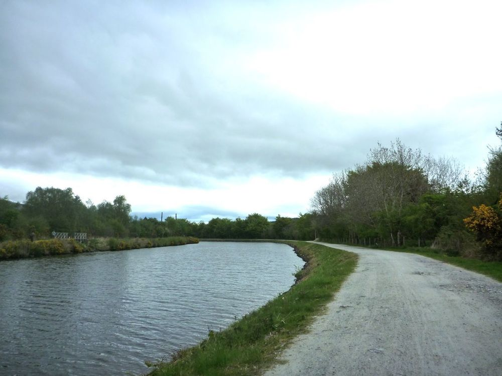 towpath and cycle path along the caledonian canal-2.jpg