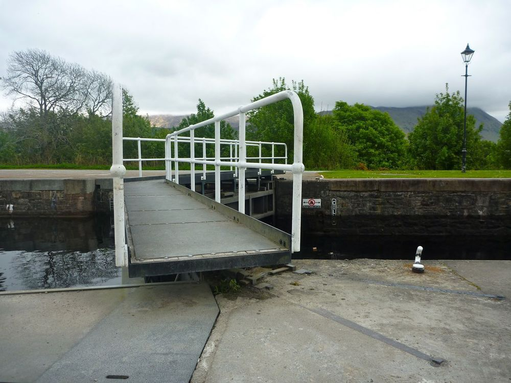 lock gate for crossing to cycle path.jpg