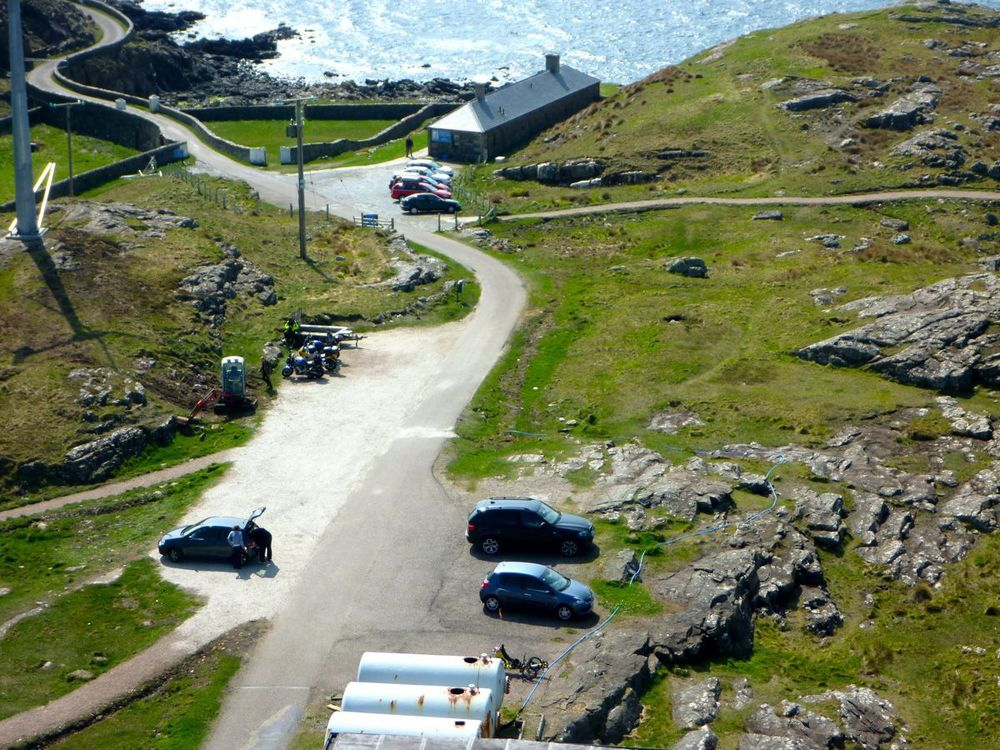 ardnamurchan lighthouse visitor centre (and trike).jpg