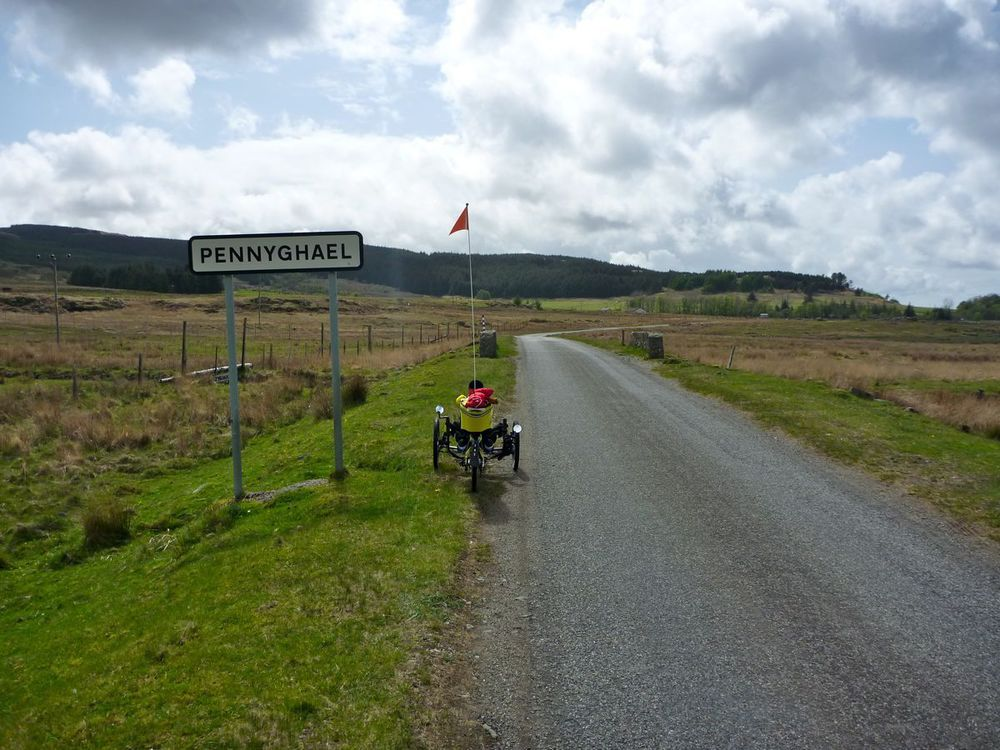 great descent down to pennyghael at head of loch scridian.jpg