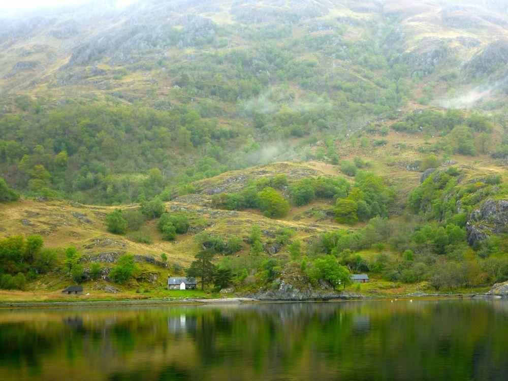 cottage on loch hourn.jpg
