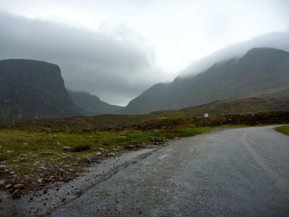 at the promontory the corrie and pass become visible.jpg
