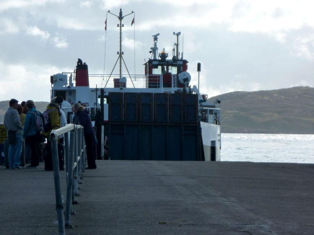 ferry to mull arriving.jpg
