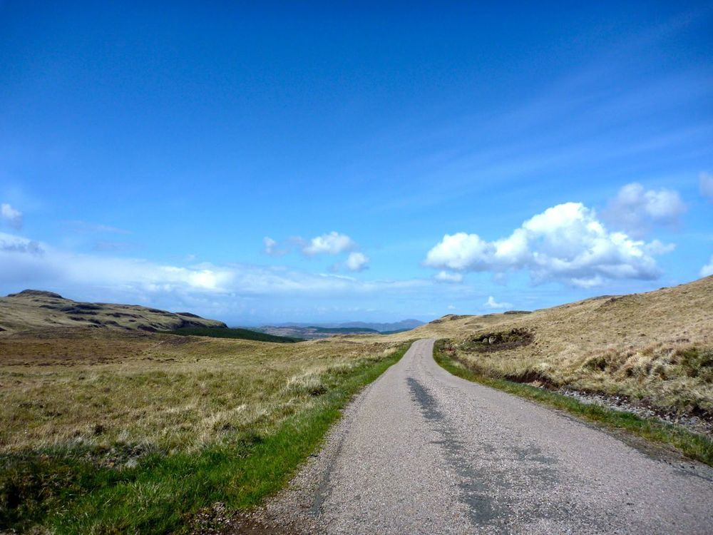summit of unnamed pass between achleck and dervaig.jpg