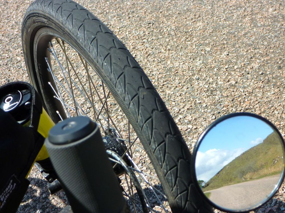 note good state of front tyre.jpg
