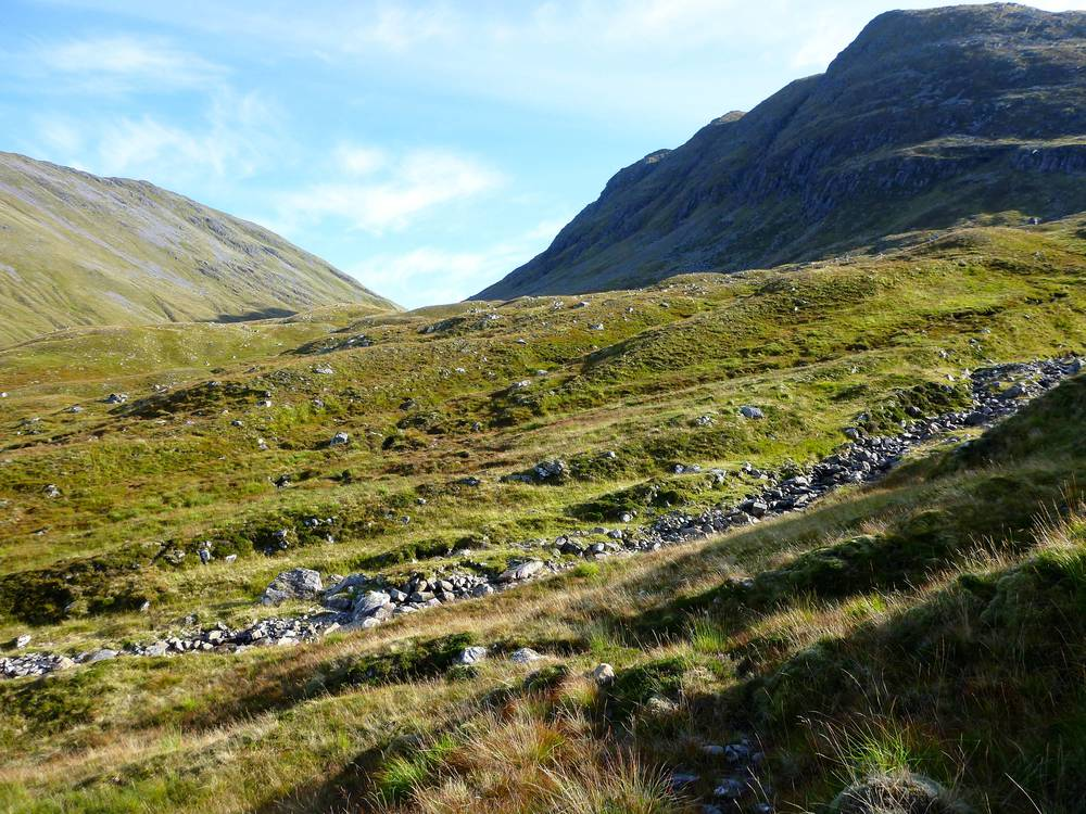 Approaching the top of Bealach Bhearnais: after the end of the path it is trackless and rough.