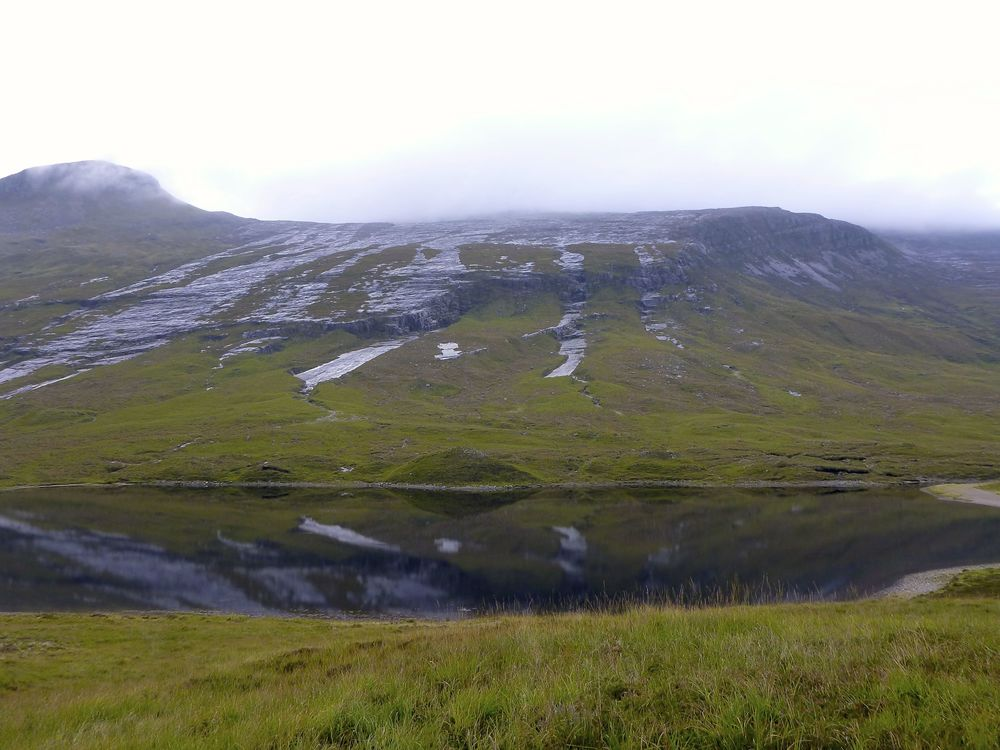 Loch an Nid and the streams on the bare rock slabs of Meallan an Laoigh.