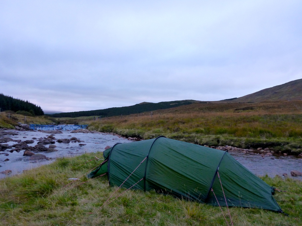 The great campsite, at the confluence of the gurgling Allt Sail an Ruathair (coming in from the left) and the larger, rushing River Oykel.