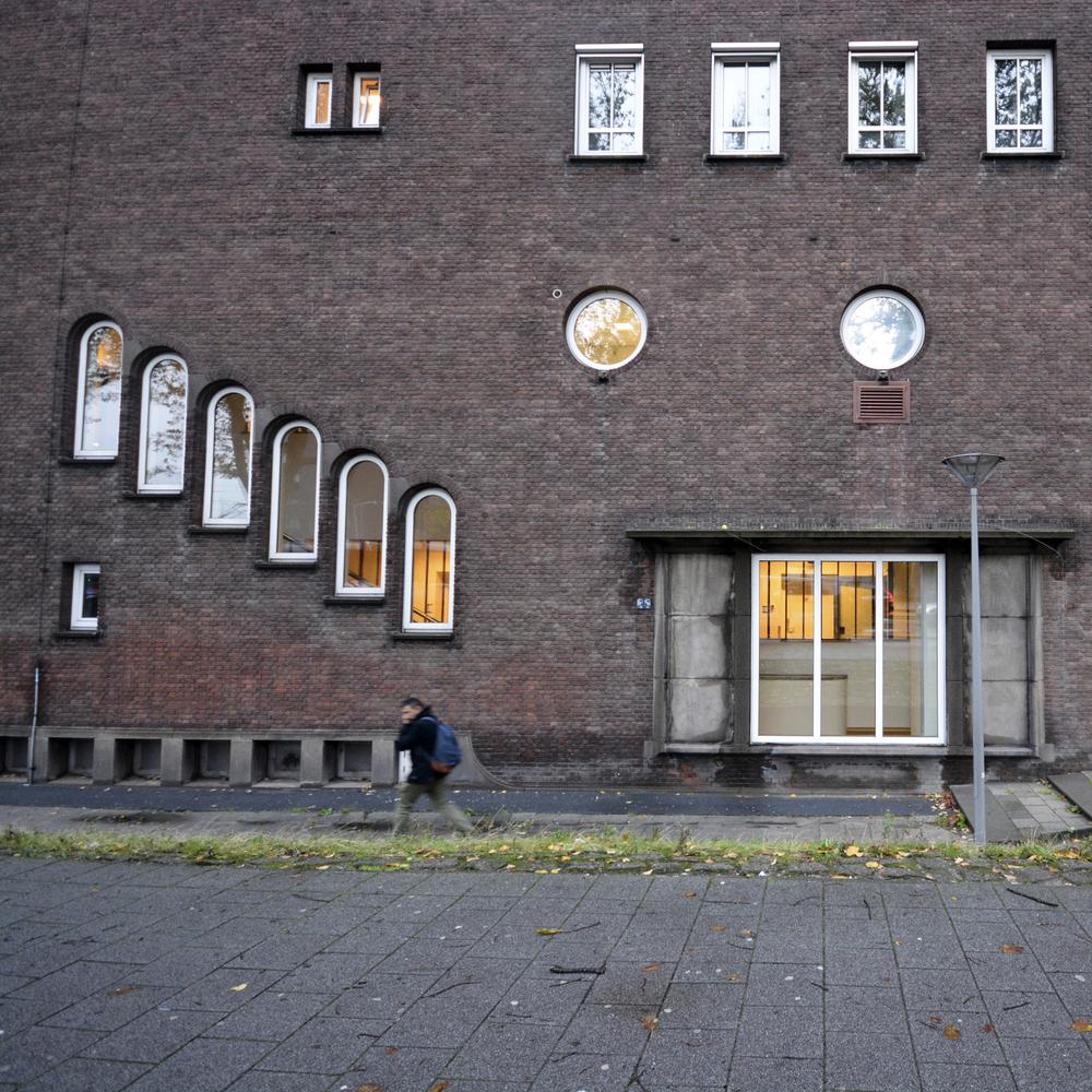 Rotterdam_building.jpg