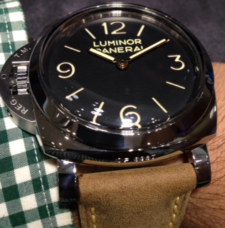 wristshot of the Panerai PAM00557