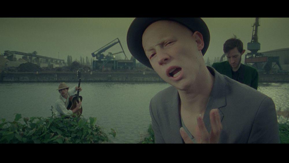 SOBRE ET MARIN   - music video -