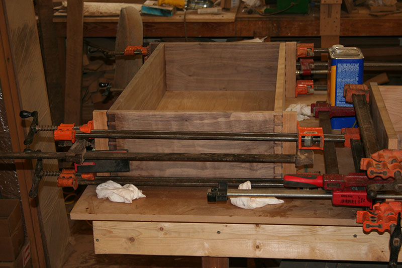 Gluing drawer