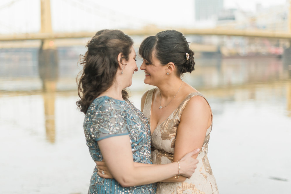 pittsburgh-wedding-photographer-lgbtqfriendly-samesex-city0004.jpg