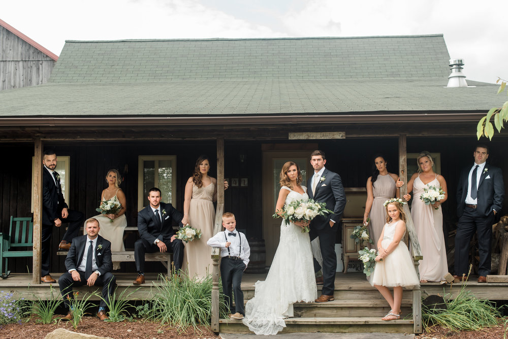 pittsburgh-wedding-photographer-greenery-summer-classic-traditional-rusticacresfarm0084.jpg