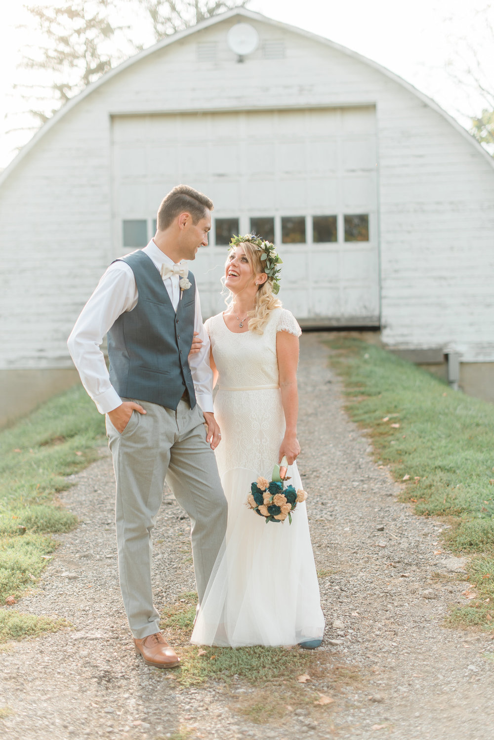 pittsburgh-wedding-photographer-engagement-barn-farm-diy-ecofriendly-ironsmillfarmstead0205.jpg