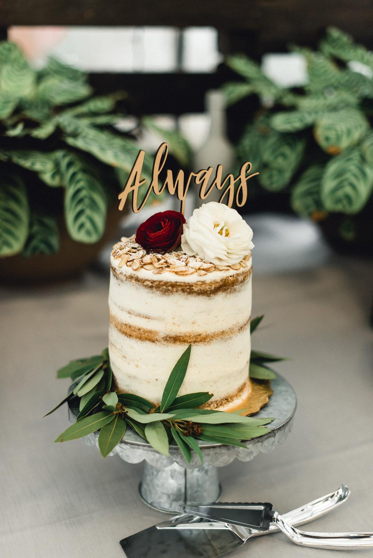 quality-gardens-valencia-wedding-cake.jpg