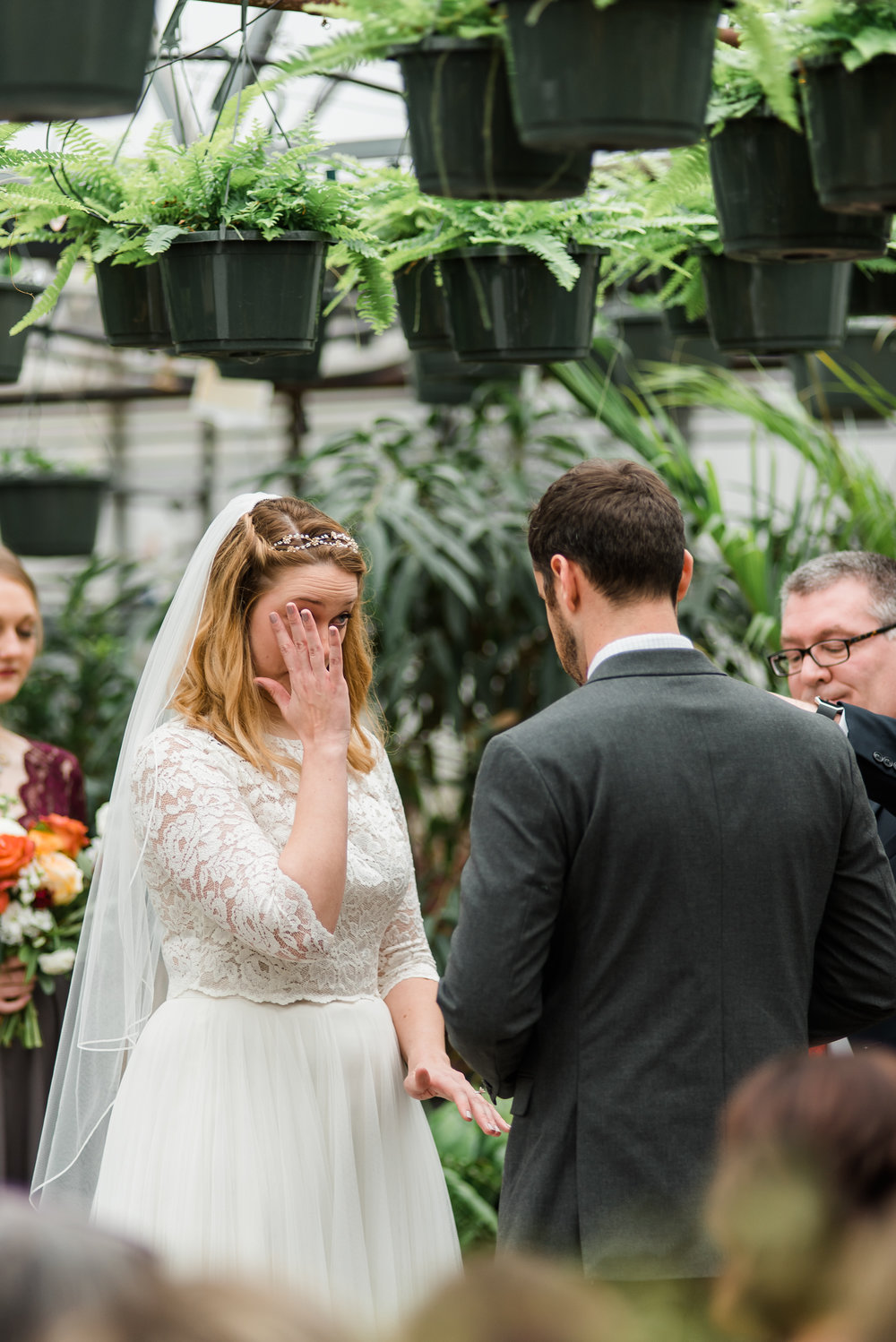 quality-gardens-valencia-wedding-crying.jpg
