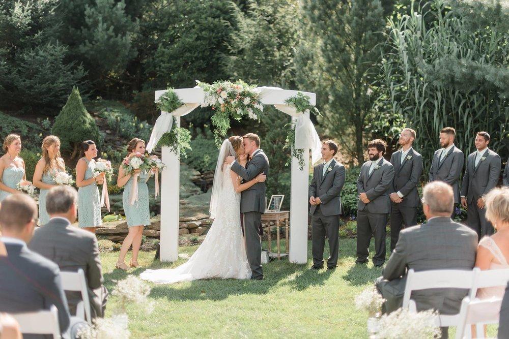gardens-at-stonebridge-wedding-pittsburgh-classic-outdoor-pennsylvania-0019.jpg