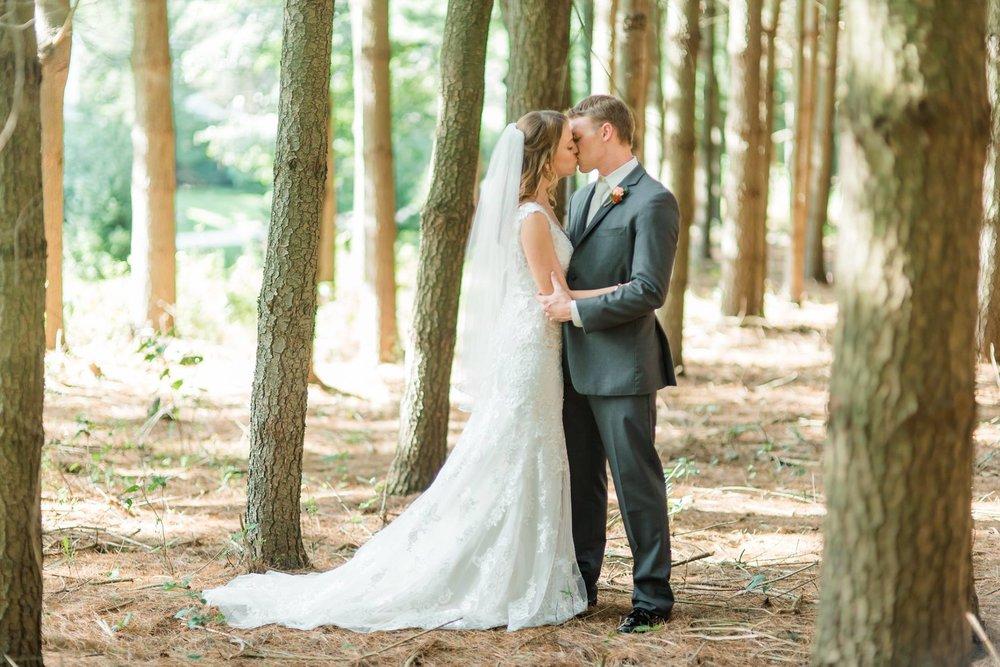 gardens-at-stonebridge-wedding-pittsburgh-classic-outdoor-pennsylvania-0024.jpg