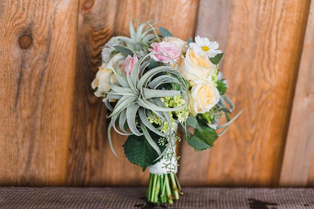 white-barn-pennsylvania-wedding-glam-rustic-farm-0002.jpg