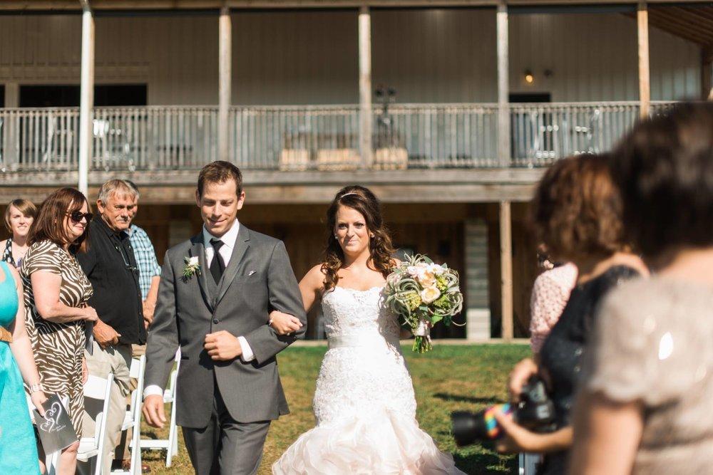 white-barn-pennsylvania-wedding-glam-rustic-farm-0011.jpg