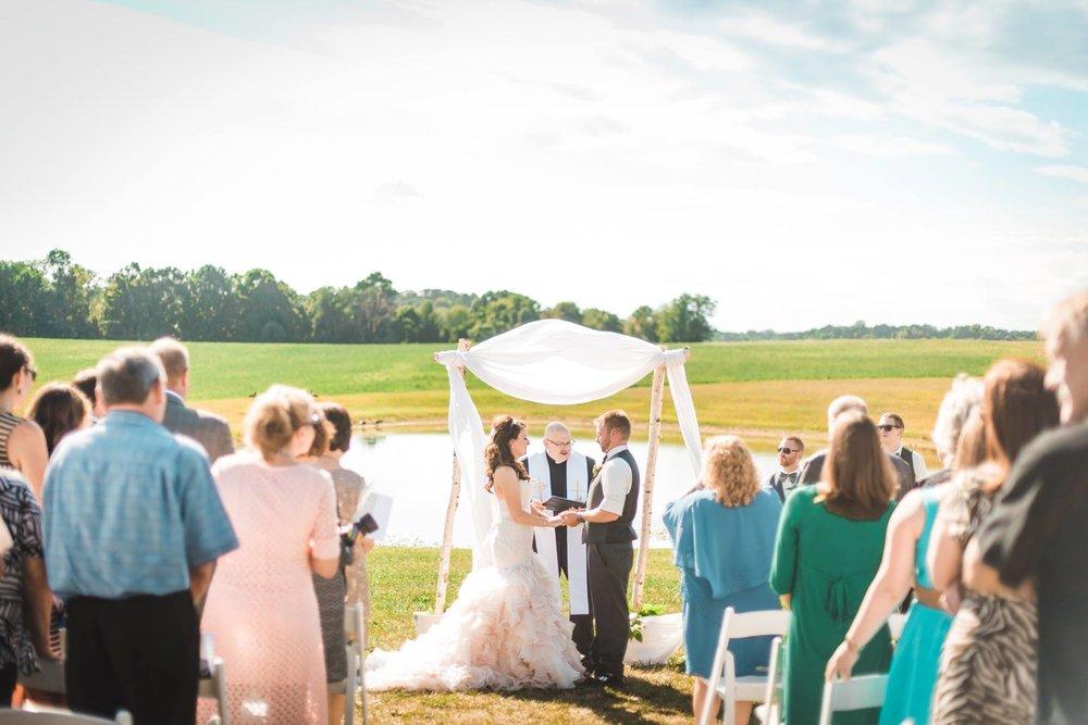 white-barn-pennsylvania-wedding-glam-rustic-farm-0013.jpg