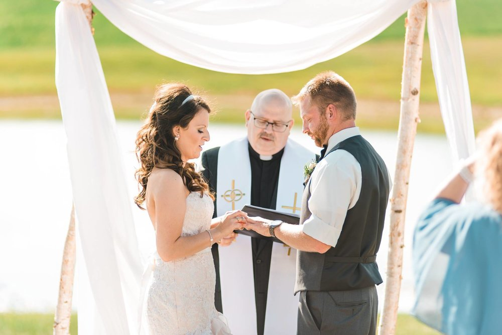 white-barn-pennsylvania-wedding-glam-rustic-farm-0014.jpg