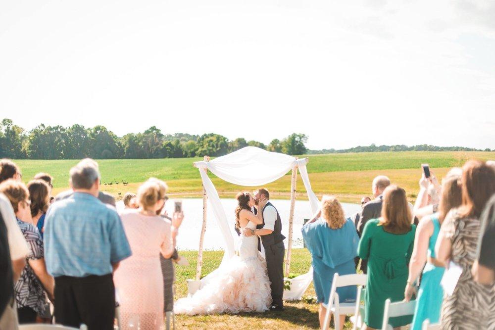 white-barn-pennsylvania-wedding-glam-rustic-farm-0015.jpg