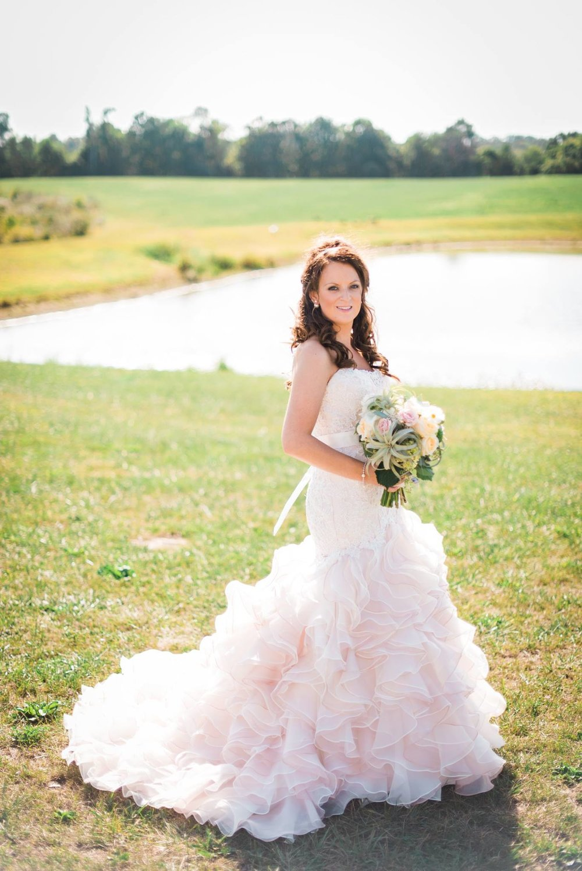 white-barn-pennsylvania-wedding-glam-rustic-farm-0016.jpg