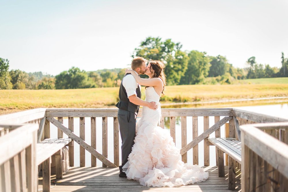 white-barn-pennsylvania-wedding-glam-rustic-farm-0018.jpg