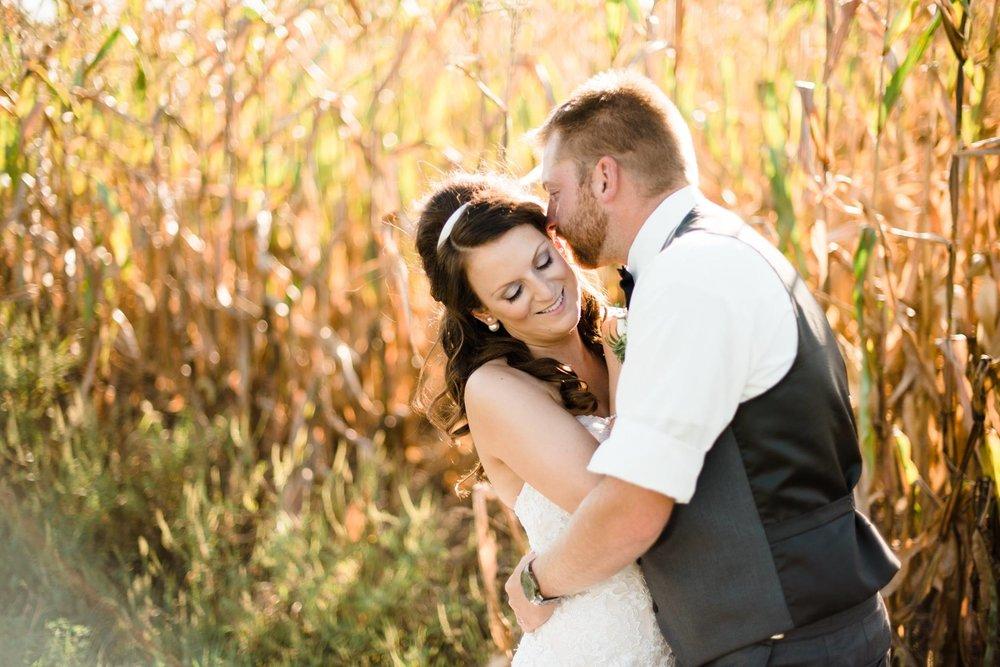 white-barn-pennsylvania-wedding-glam-rustic-farm-0020.jpg