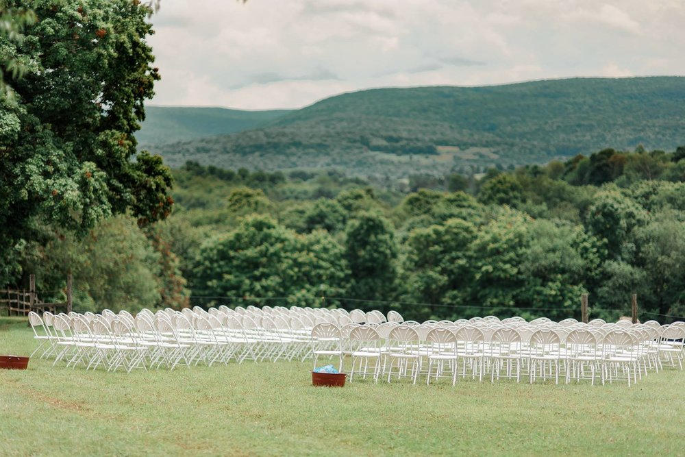backyard-farm-barn-mountaintop-pennsylvania-wedding-0021.jpg