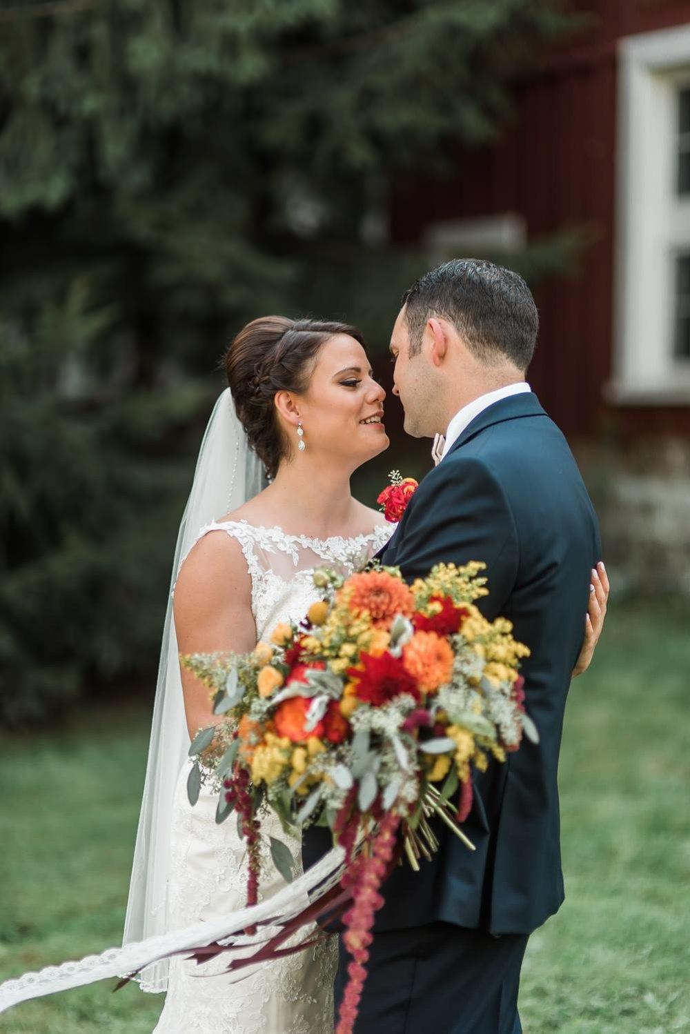 succop-conservancy-pennsylvania-outdoor-glam-jewel-tone-fall-autumn-wedding-0018.jpg