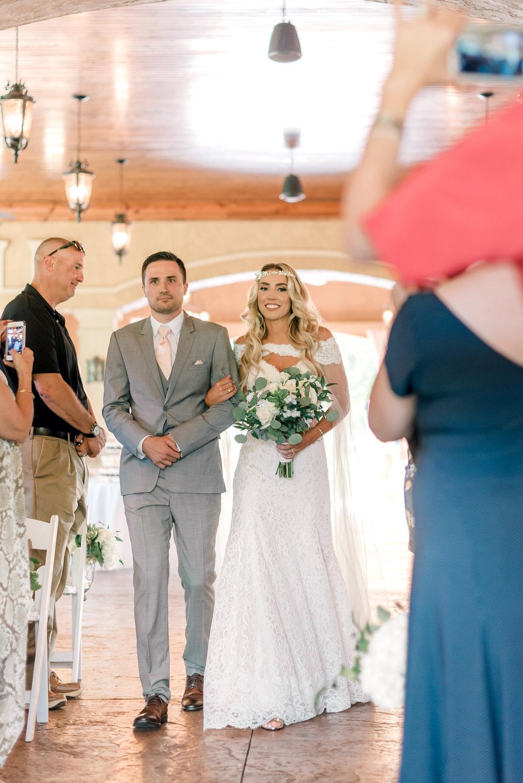 gervasi-winery-wedding-ohio-photography-11.jpg