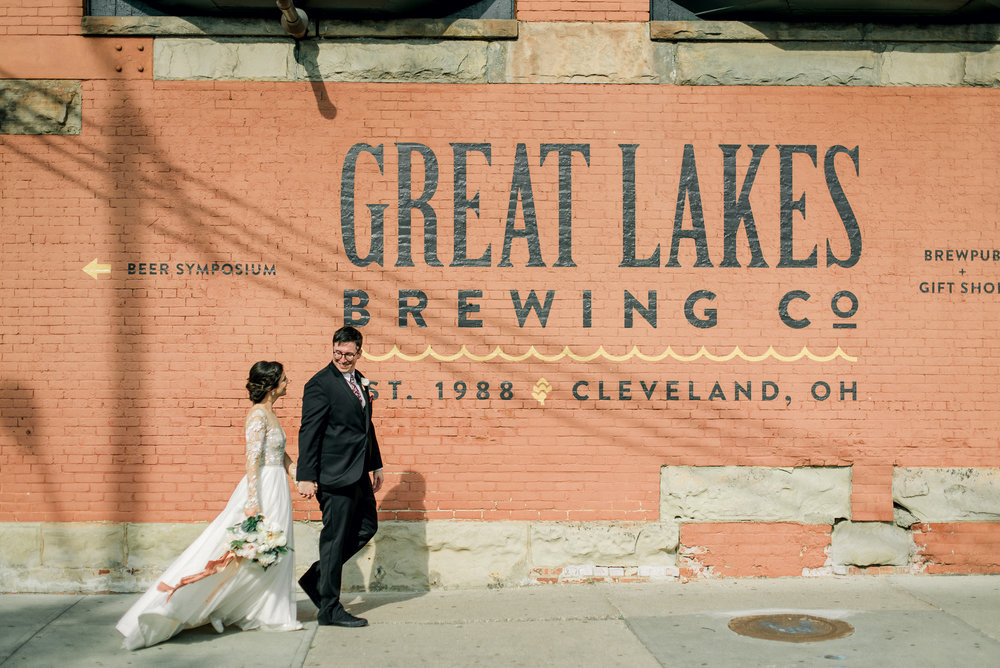 cleveland-wedding-photographer-great-lakes-brewing-arcade-0060.jpg